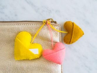 Como Fazer Chaveiro de Coração em Feltro