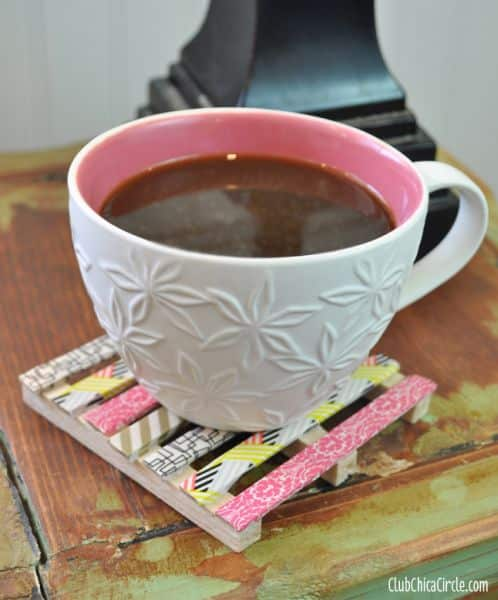 O seu jogo de porta-copos de palito de picolé pode ter o estilo que você desejar (Foto: washitapecrafts.com)