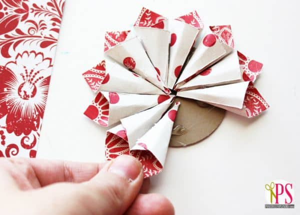 Inexpensive and original craft projects using paper plates and other supplies for kids, Sunday school, and VBS.