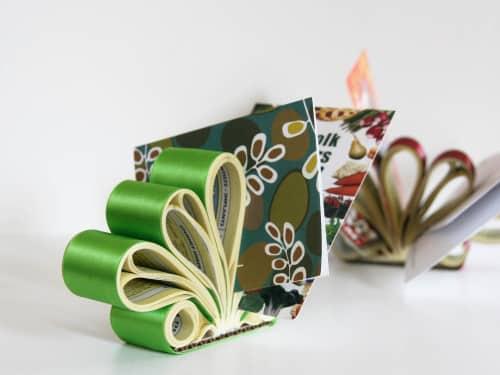 Este porta cartões de visita de mesa é lindo e sustentável (Foto: designsponge.com)