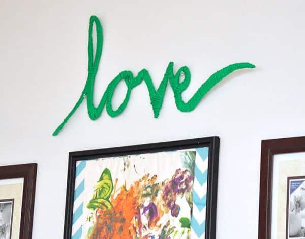 A decoração com a palavra love é diferente e linda (Foto: diycandy.com)