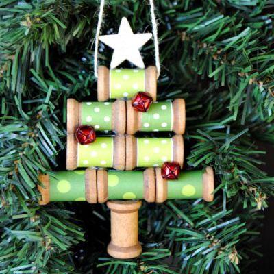 Como Fazer uma Miniárvore de Natal com Carretel