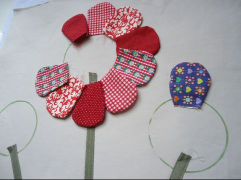 Almofada Com Flores De Tecido Passo A Passo 5 Como Fazer Artesanatos
