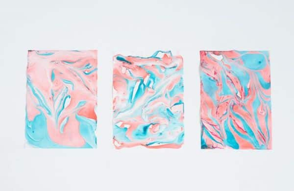 Faça um efeito mármore em papel exclusivo e único, utilizando os seus tons preferidos (Foto: bkids.typepad.com)