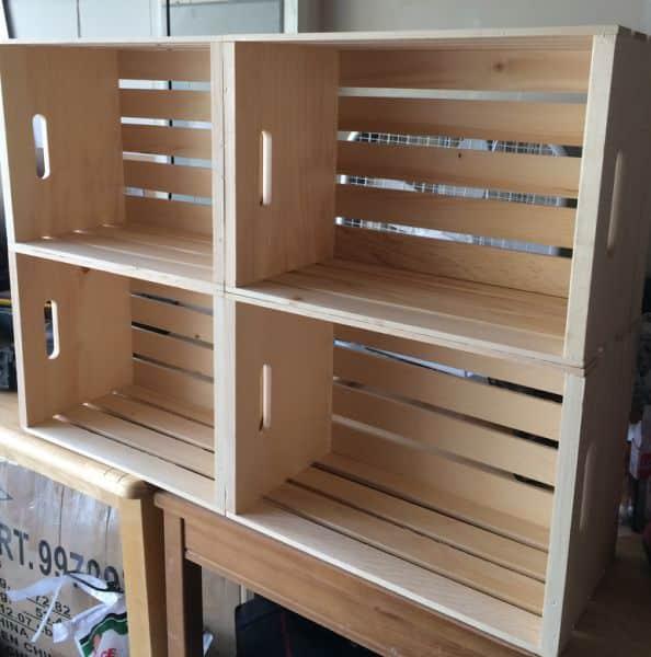 como fazer estante de caixotes de feira passo a passo. Black Bedroom Furniture Sets. Home Design Ideas