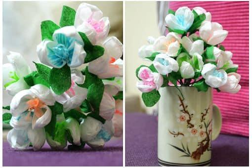 São lindas estas flores de papel crepom e também fáceis de fazer (Foto: inspiringhow.com)