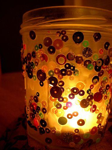 Potinho decorado com paetê pode frequentar qualquer ambiente (Foto: nurturestore.co.uk)