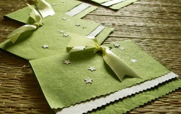 Cartão com papel artesanal pode ter as cores e estilo que você desejar (Foto: wanderingmist.com)