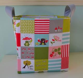 Revisteiro de tecido pode ter o tamanho que você quiser (Foto: monpetitlyons.blogspot.com.br)