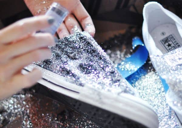 Como Personalizar Tênis com Glitter     8