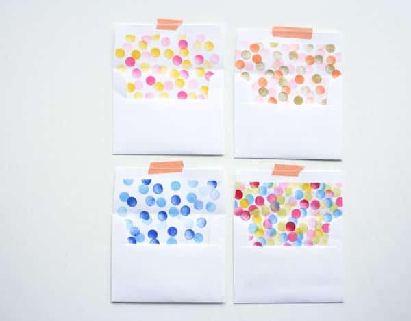 Envelopes carimbados são lindos e fáceis de serem conseguidos (Foto: ohhappyday.com)