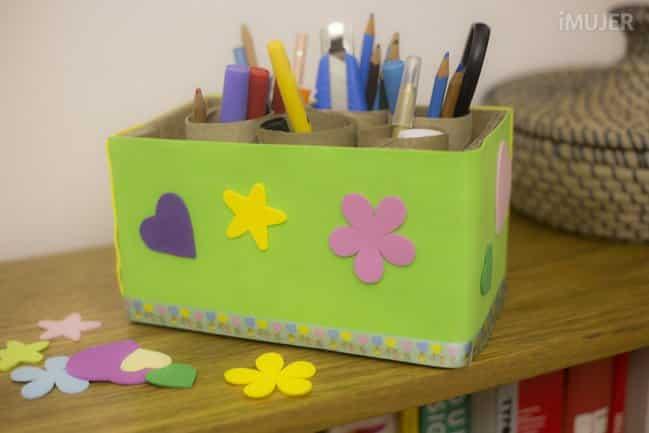 Este porta-pincel com material reciclado pode receber os elementos que você quiser usar nele (Foto: imujer.com)