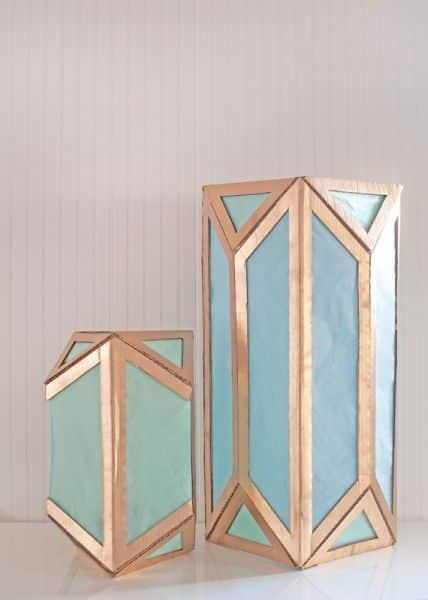 Lanterna moderna de papelão é linda e pode ser sofisticada se você investir no tom dourado (Foto: blog.etsy.com)