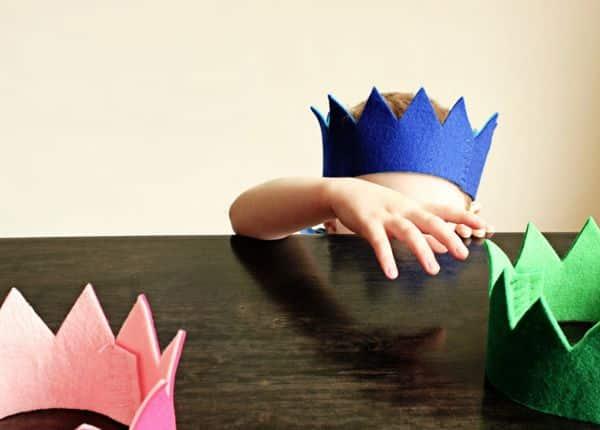 Coroa de feltro é linda e diverte os pequenos (Foto: hellobee.com)