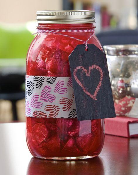 Este potinho de vidro decorado é barato, sustentável e lindo (Foto: modpodgerocksblog.com)