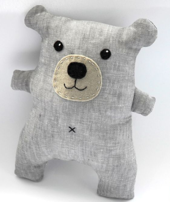 Este simpático ursinho de tecido encanta a todos (Foto: craftschmaft.com)