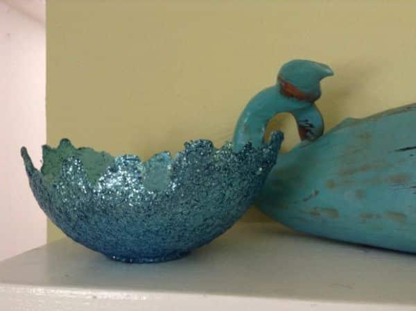 Bacia decorada com glitter é linda e fácil de ser conseguida (Foto: moderndaymoms.com)