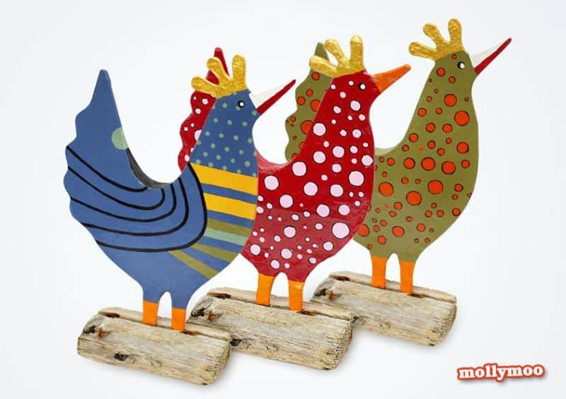 Galinha de papel machê decora e diverte (Foto: mollymoocrafts.com)