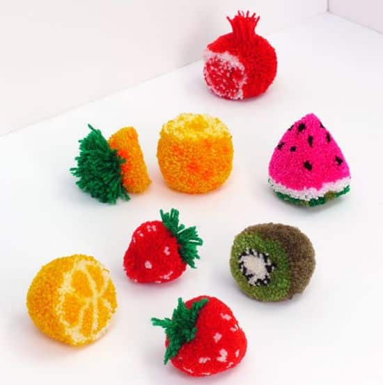 Como Fazer Frutinhas de Pompom Passo a Passo
