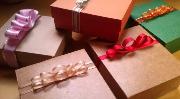 laços de fita para presentes