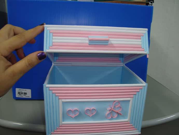 caixa com canudos