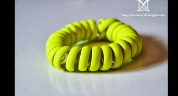 pulseira de mola de fio de telefone