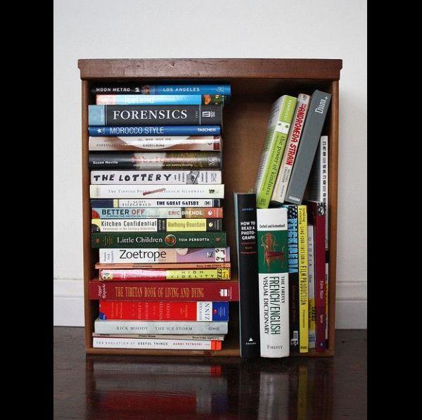 porta-livros de gaveta