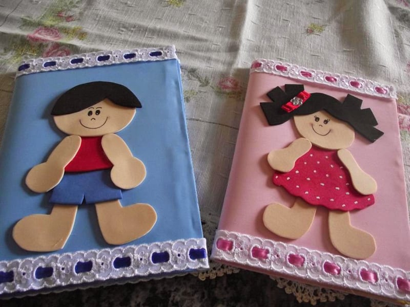 caderno com eva menino menina