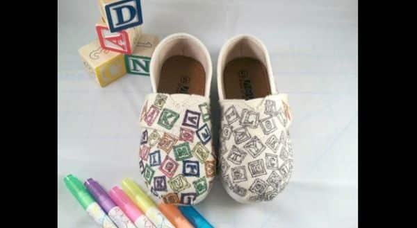 customização de calçado com caneta