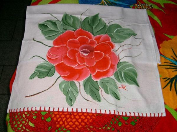 pano de prato pintado com flor