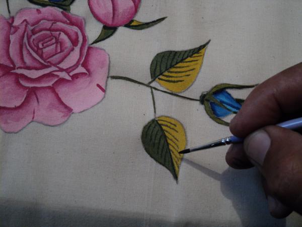 pano de prato pintado com folhas
