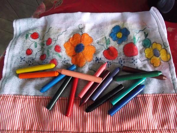 pintura com giz de cera flor