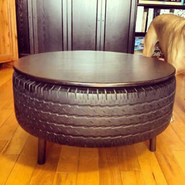 mesa com pneu metalizada