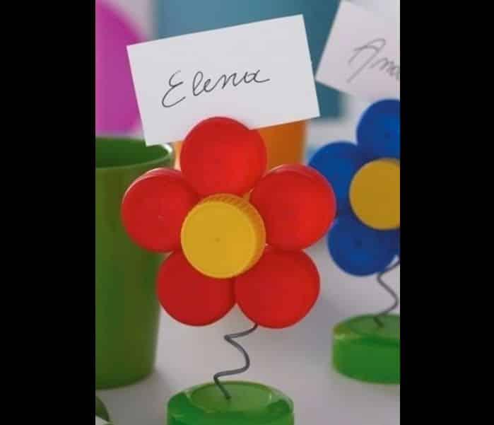 flores recicladas de tampinhas