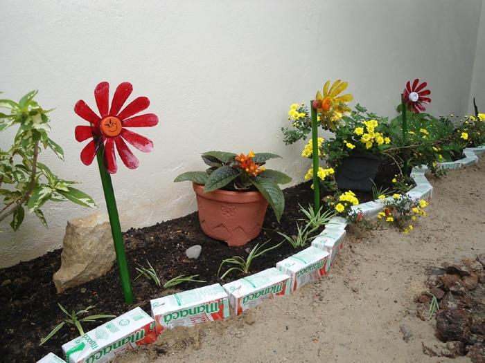 como fazer flores recicladas