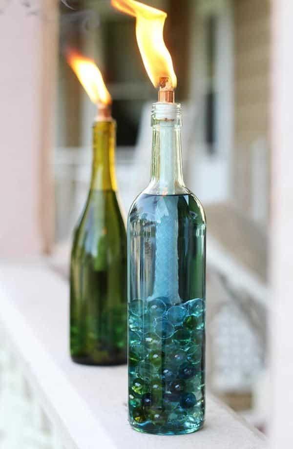 decoração na garrafa de vinho