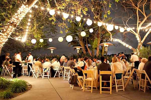 Cordão de iluminação para casamentos ao ar livre