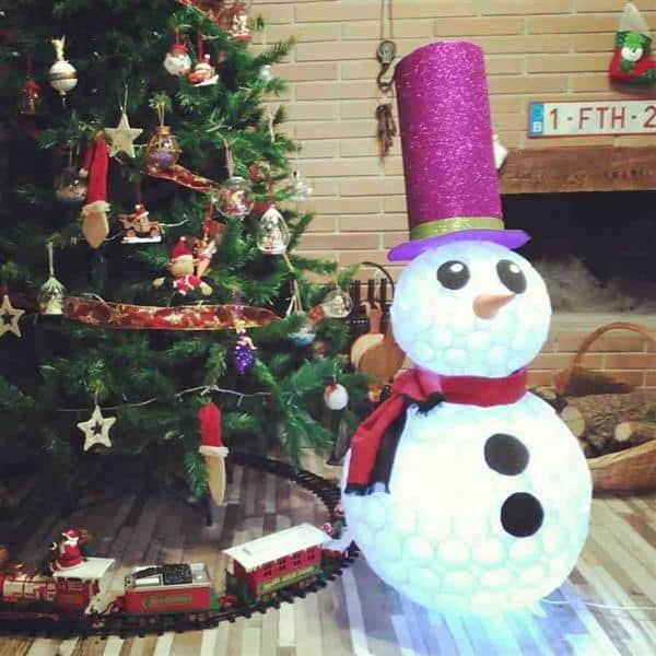 Boneco de neve extravagante com cartola