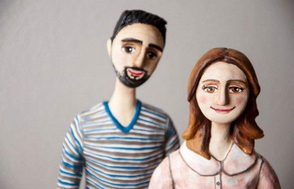 papel mache casal apaixonado