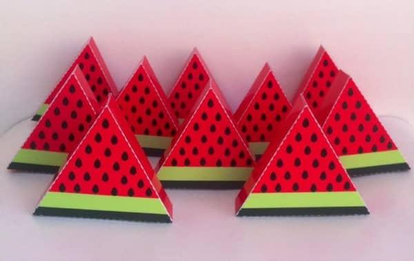 caixa em formato de melancia