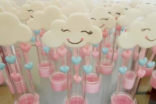 decoração em biscuit chuva de amor