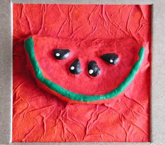 quadro melancia feito de papel machê