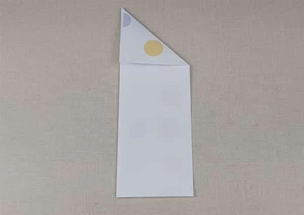 avião de papel normal