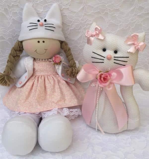 boneca de pano com vestido rodado