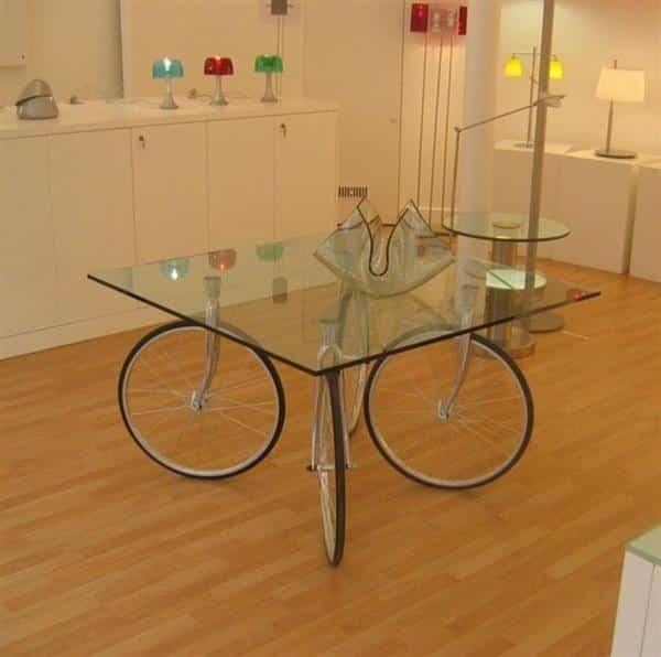 mesa de pneu e vidro