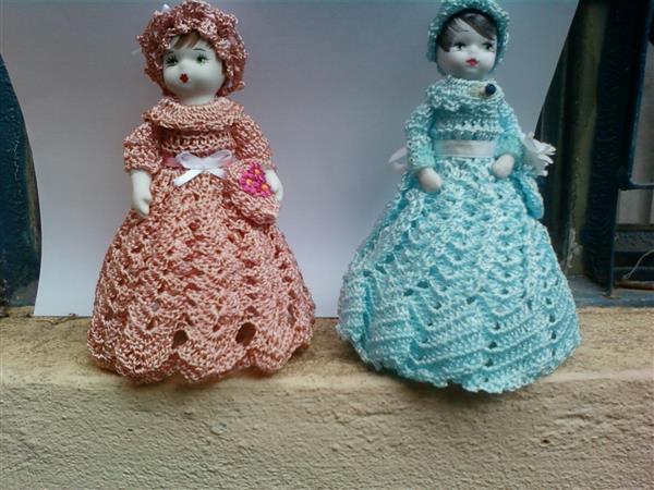 bonecas de croche com garrafa pet e louça