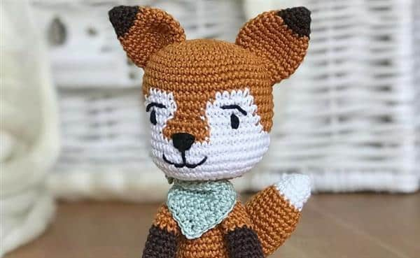 raposa amigurumi