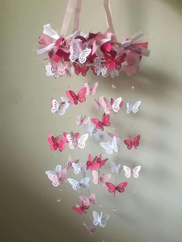 Móbile de borboletas rosas