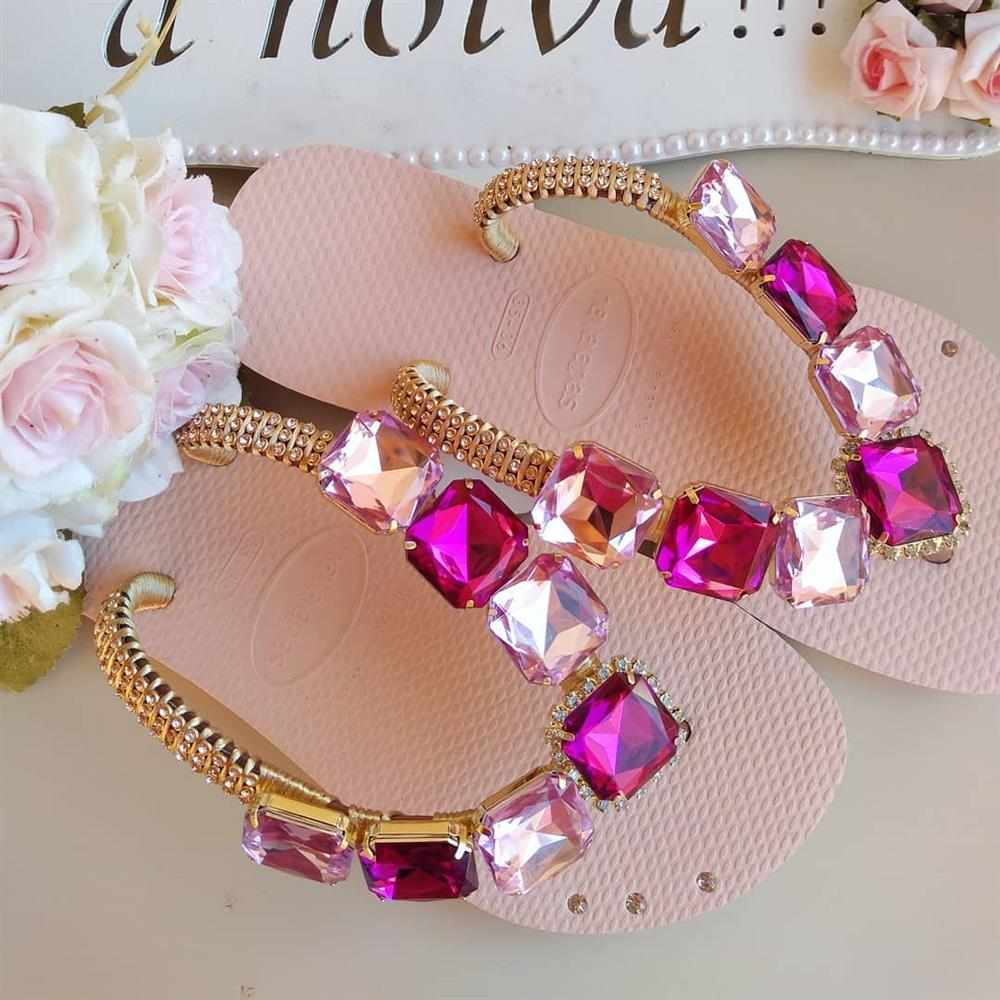 chinelo rosa decorado luxo