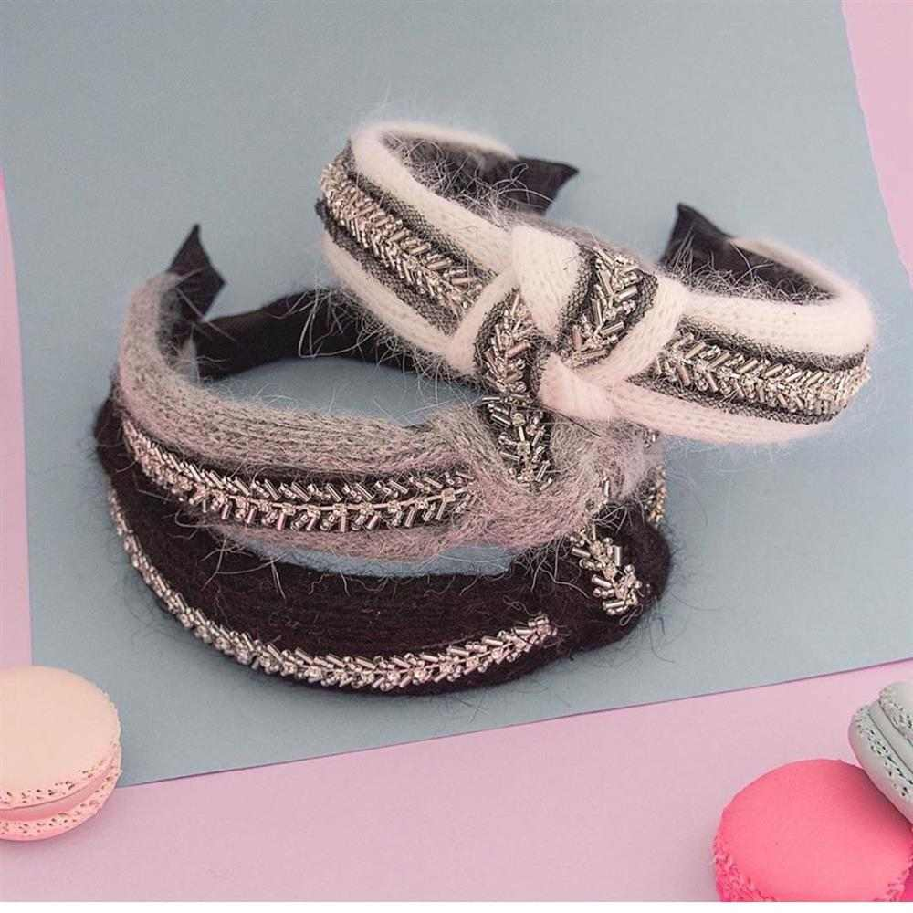 tiara de nó em lã